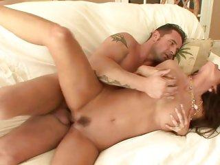 Slapper Tabitha Stevens enjoys a coarse pussy fucking