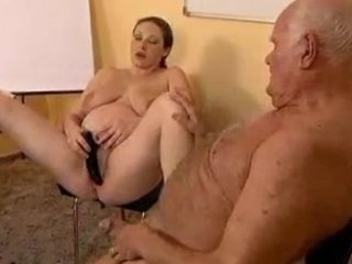 Old guy fucks a preggo girl