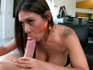 Sizzling Raylene wraps her wet lips round a stiff dick