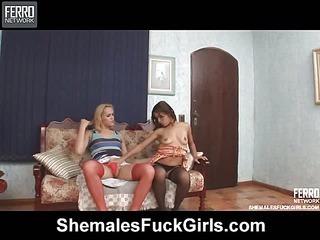 Reana&Fernanda shemale dicking girl on video