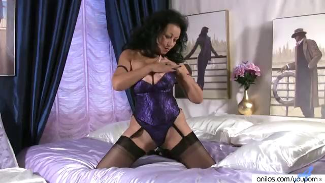 Huge Boobs on Mature in Nylons Stroking Cookie