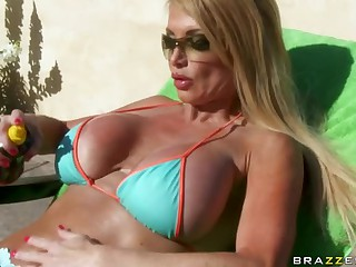 Horny Blonde Taylor Wane Titty Fucks The Security Guy For Facial