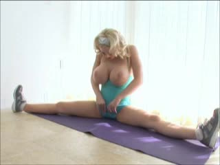 Incredible big boobs blonde masturbates